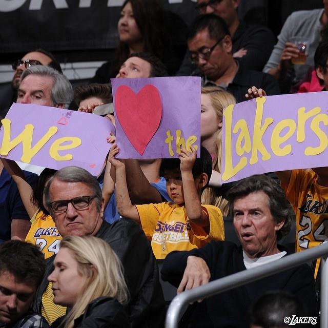 little kids is lakers fan