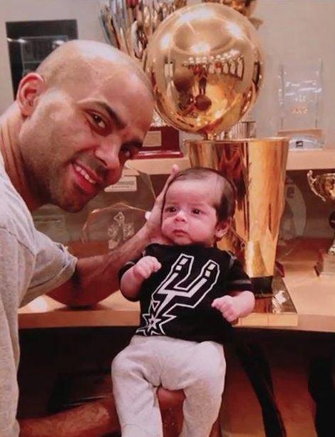 Tony-Parker-baby-Larry-OBrien-trophy