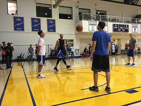 steve nash helping curry shooting(1)