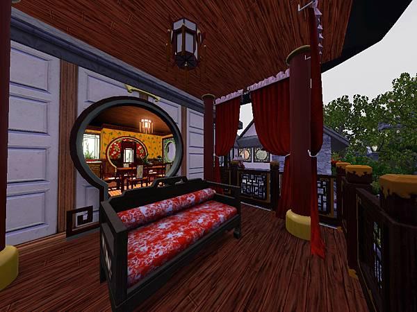 餐廳外涼亭佈有鮮紅錦緞長簾.jpg
