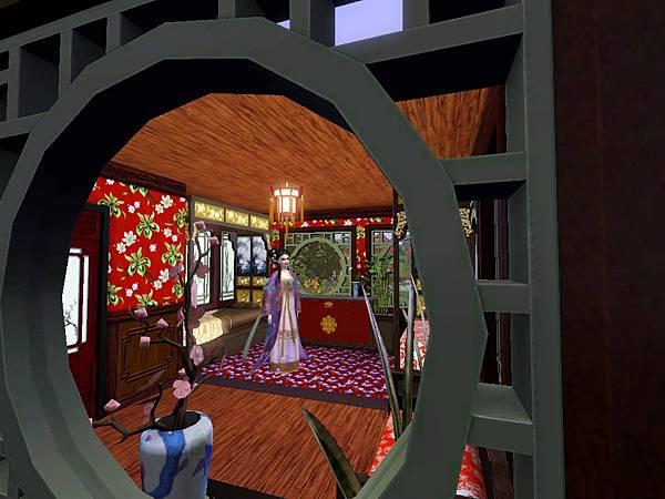 從中庭穿過窗戶,可以看到雙人臥室.jpg