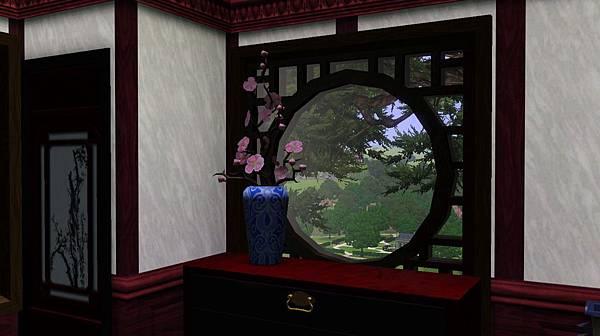 主臥室窗外盡可見千年槐樹.jpg