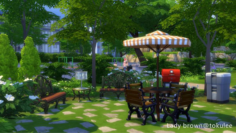 lady brown-backyard.jpg