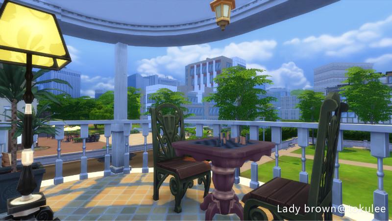 lady brown-teras2.jpg
