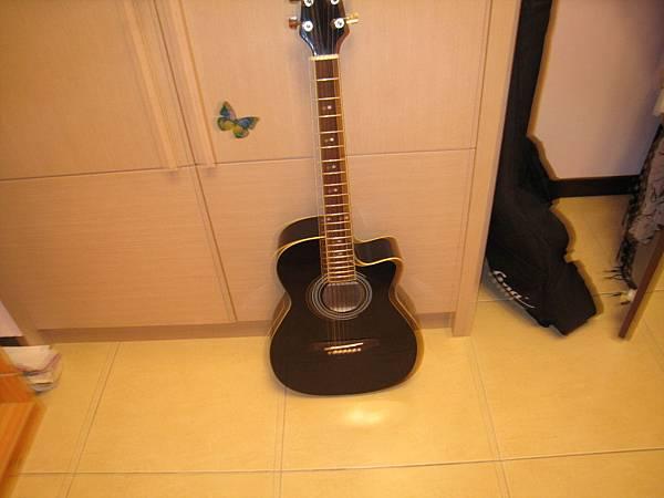 寶貝吉他的拉~