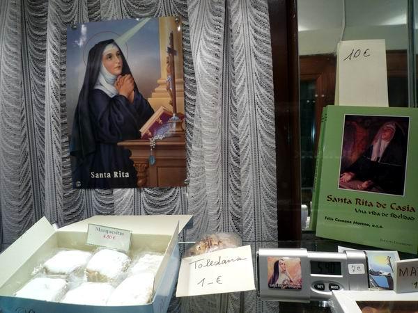 Santa Rita修道院甜點櫥窗-2.JPG