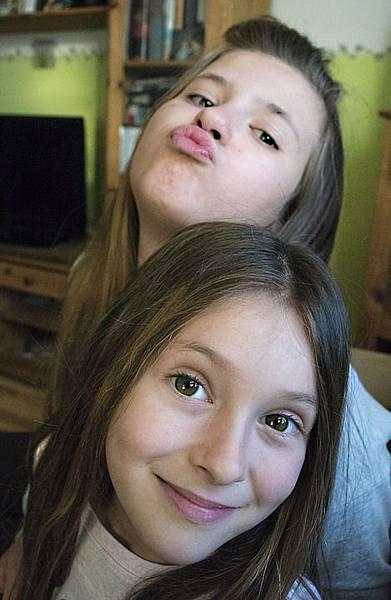 girls-1050215_960_720.jpg