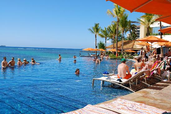 sheraton-waikiki-beach-resort-edge-pool-overlooking.jpg