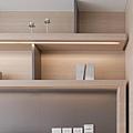 書架下層板燈1.JPG