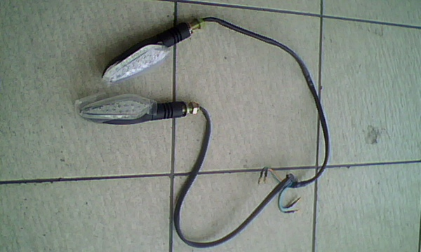 前18晶LED方向燈