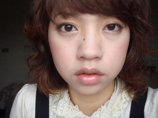 深咖啡睫毛膏妝 1