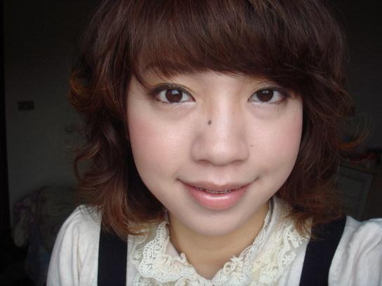 深咖啡睫毛膏妝 2