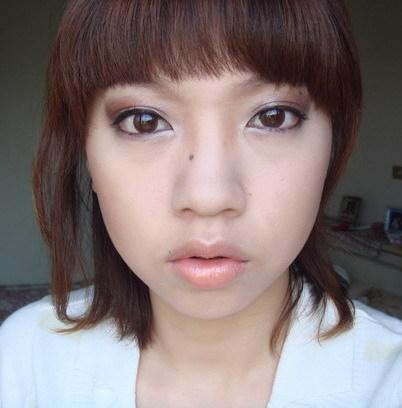 時尚貓眼妝 : )