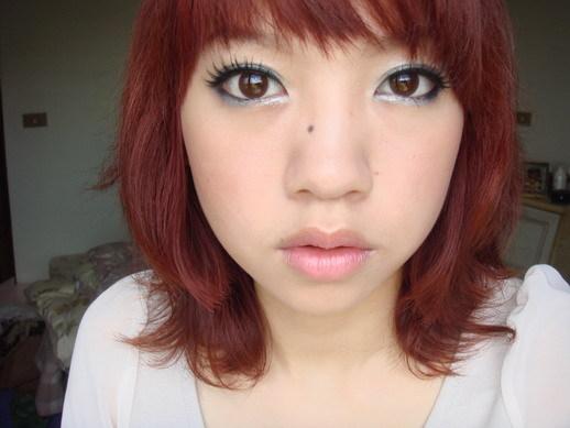 適合紅髮的妝容 : )