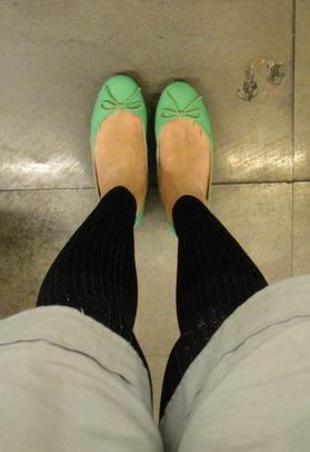 我好無聊來照鞋鞋好了 (嘻)