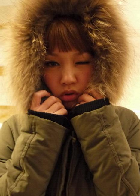 冷冷穿阿比的外套 這張是學美保的照片拍的唷 ^^