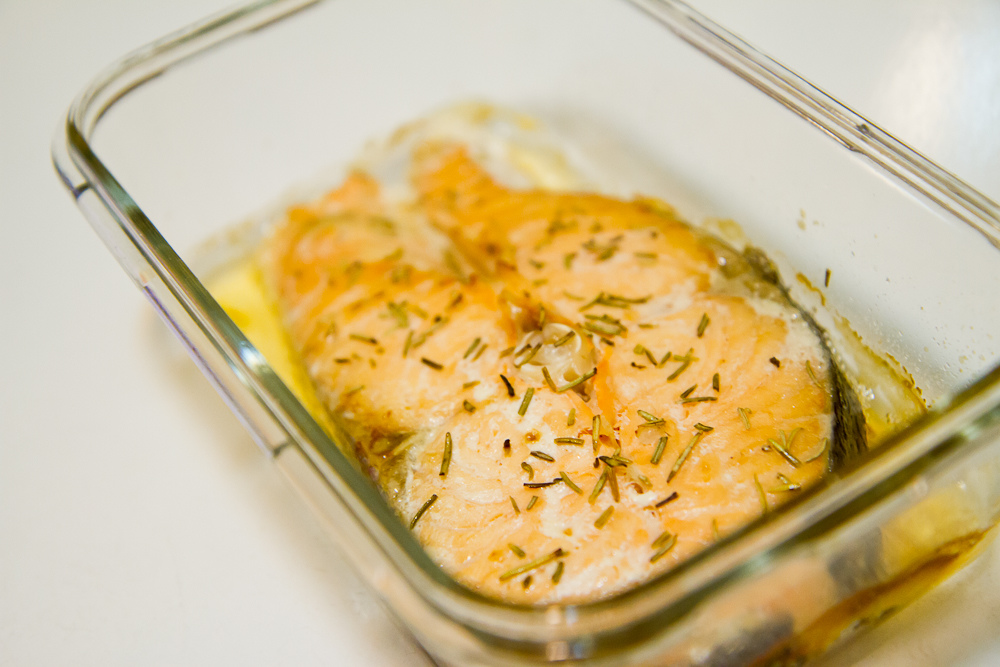 迷迭香烤鮭魚