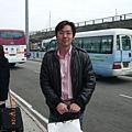 021-等待飯店的免費接駁車.JPG