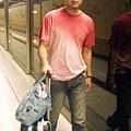 D1:上環地鐵站等待搭車準備去信德中心搭船(批註)