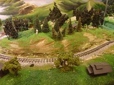 林產館內精緻仿真的模型,演譯出過去羅東林場的林業興盛風光。.JPG