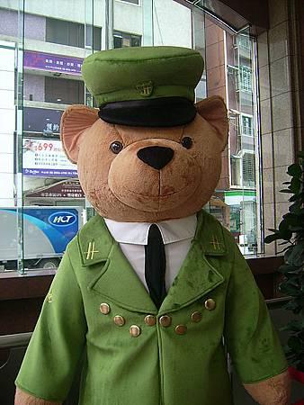 採訪途中遇見哈洛斯熊熊