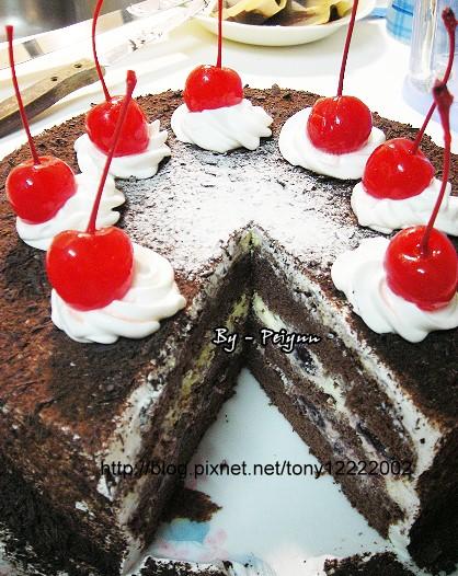 2007.11.10 黑森林蛋糕(成品)2
