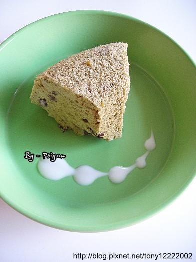 2007.12.15 紅豆抹茶戚風蛋糕(成品).jpg