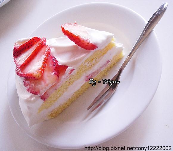 2008.01.01 草莓海綿蛋糕(成品)3