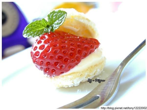 2008.03.02 草莓卡士達小西餅(成品)5.jpg