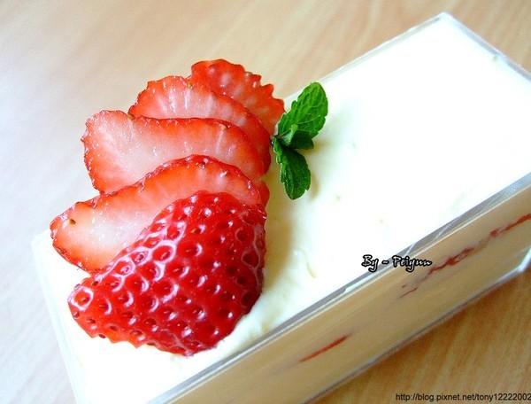 2008.03.02 草莓卡士達小西餅(變化)2.jpg