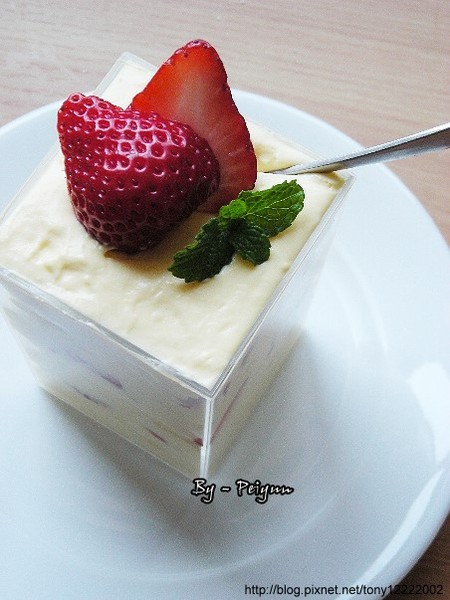 2008.03.02 草莓卡士達小西餅(變化).jpg