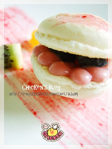 100.01.29 Macaroon with raspberry jam12.jpg