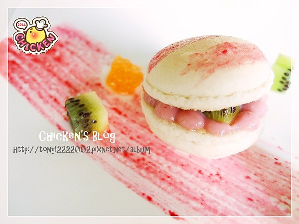 100.01.29 Macaroon with raspberry jam15.jpg