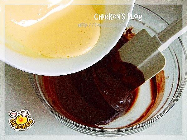 2010.08.16 酥皮融漿巧克力蛋糕3.jpg