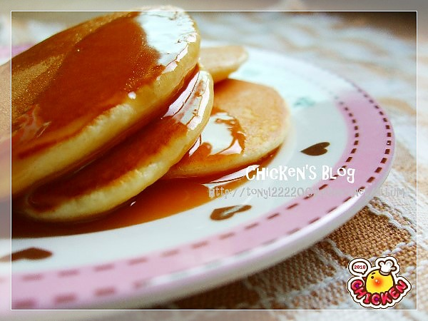 2010.07.19 Happy breakfast pancake&milk2.jpg