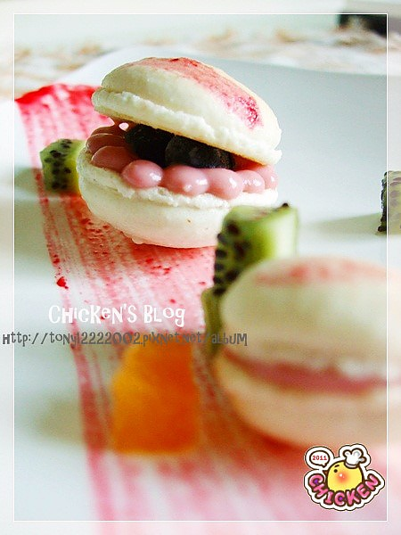 100.01.29 Macaroon with raspberry jam13.jpg