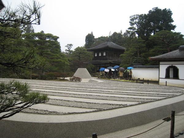 雨中的銀閣寺