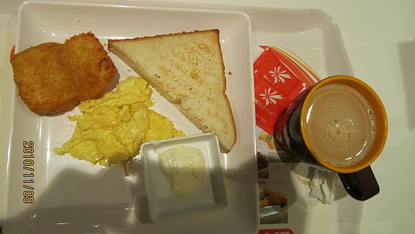 脆炸深海魚柳佐煎蛋及厚多士