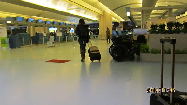 清晨的機場大廳