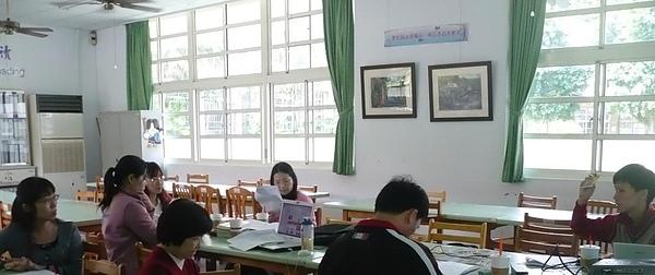 20100413內壢國中教師塔羅研習會_ (3).JPG