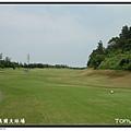 東華高爾夫球場 OUT 第2洞 PAR4 398碼  難度3 .JPG