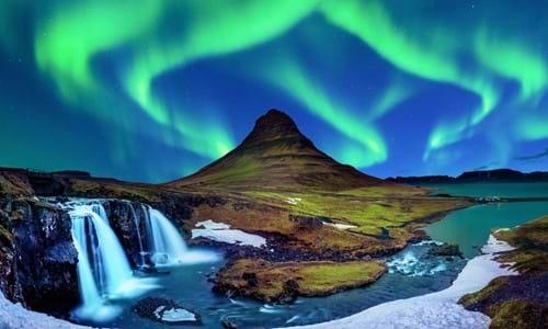 gettyimages-992942462-northern-lights-aurora-borealis-at-kirkjufell-in-iceland.jpg
