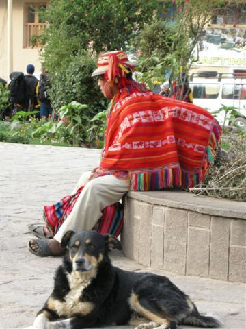 Peruvian and his dog @ Ollantaytambo