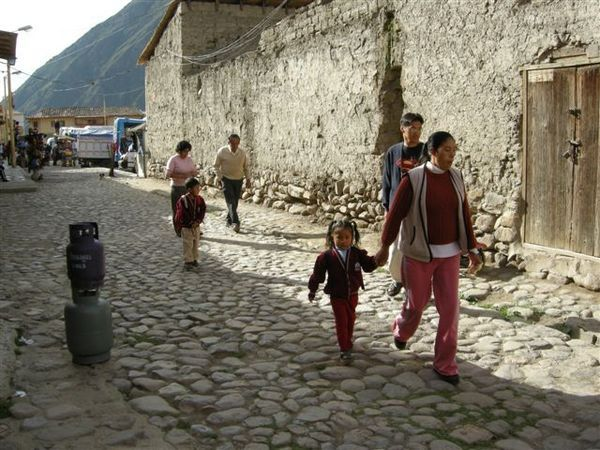 Going to school! @ Ollantaytambo