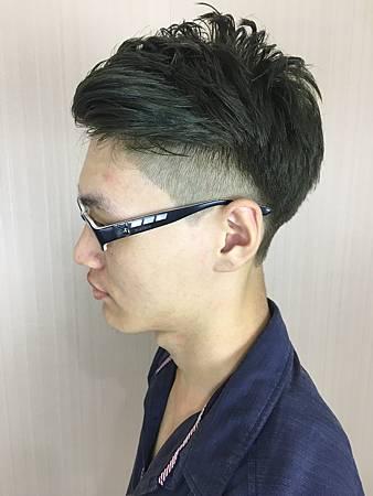 台北染髮/Mavi Hair Designers/男生染髮/墨茶綠色/油頭髮型