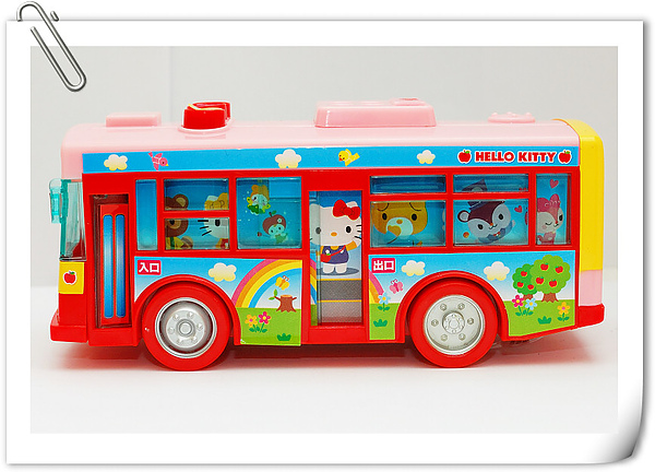 Hello Kitty bus (15).jpg