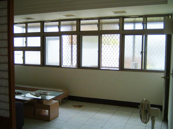 功學社公寓3樓