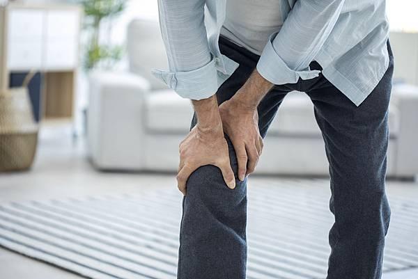 葡萄糖胺飲效用-保護膝關節.jpg