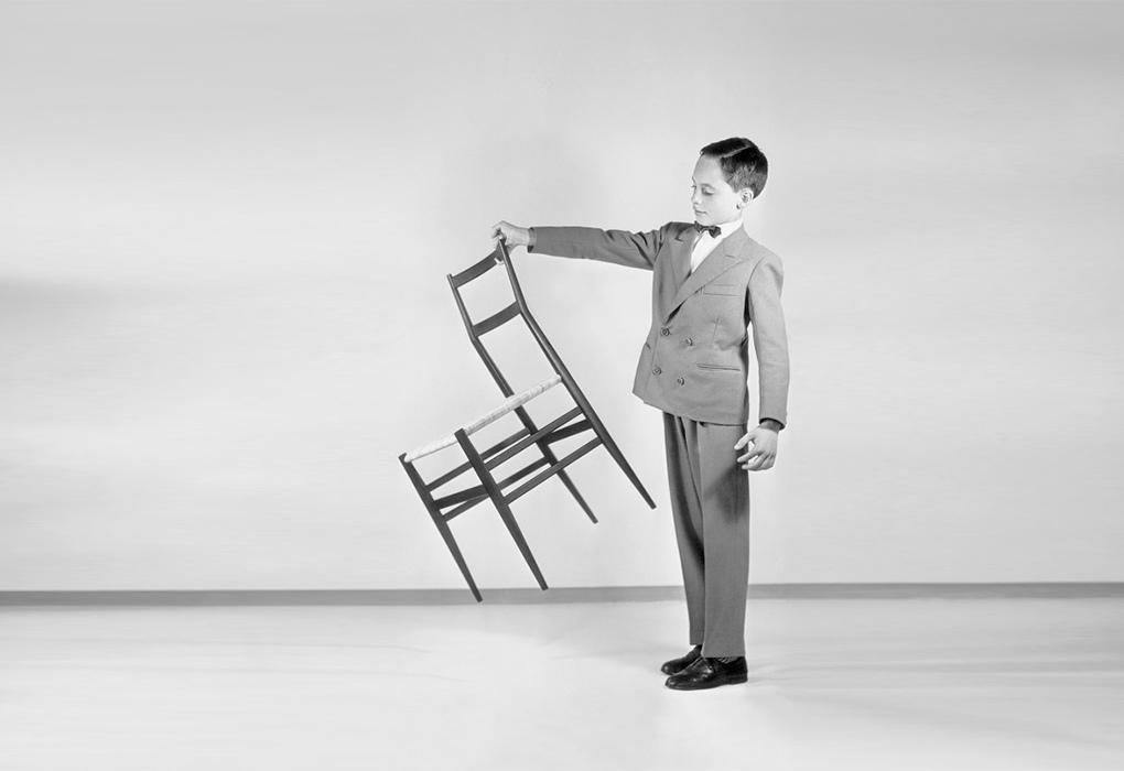 Superleggera 椅總高:83cm 椅深:45cm 椅寬:41cm