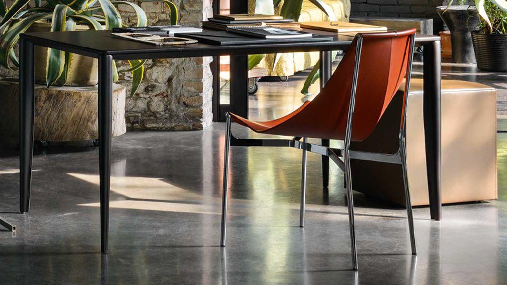 Frag-Dante-Desk-1.jpg